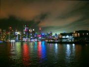 Noční Sydney z lodi