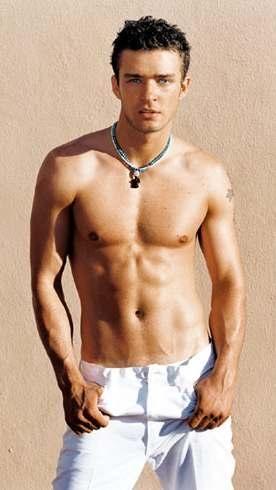 justin_timberlake_topless_white_jeans