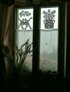 Venku prší, vevnitř je útulno