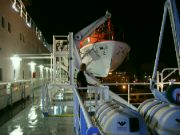 Odjezd trajektu z Neaple
