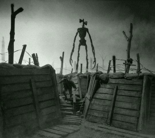 Siren Head u zákopů první světové války