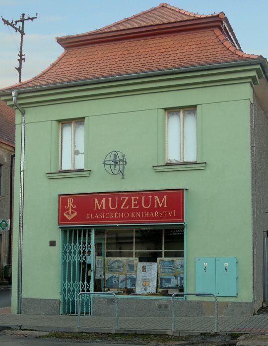 Muzeum, budova na hlavní ulici
