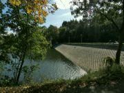 Hráz hostivařské vodní nádrže