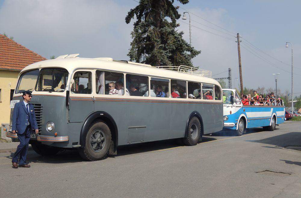 Starý autobus