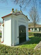 Kaplička na okraji Lovosic