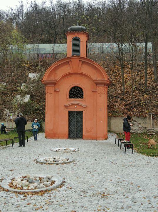 Kaple vojenského hřbitova v Karlíně