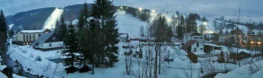 Sjezdovky před večerním lyžováním